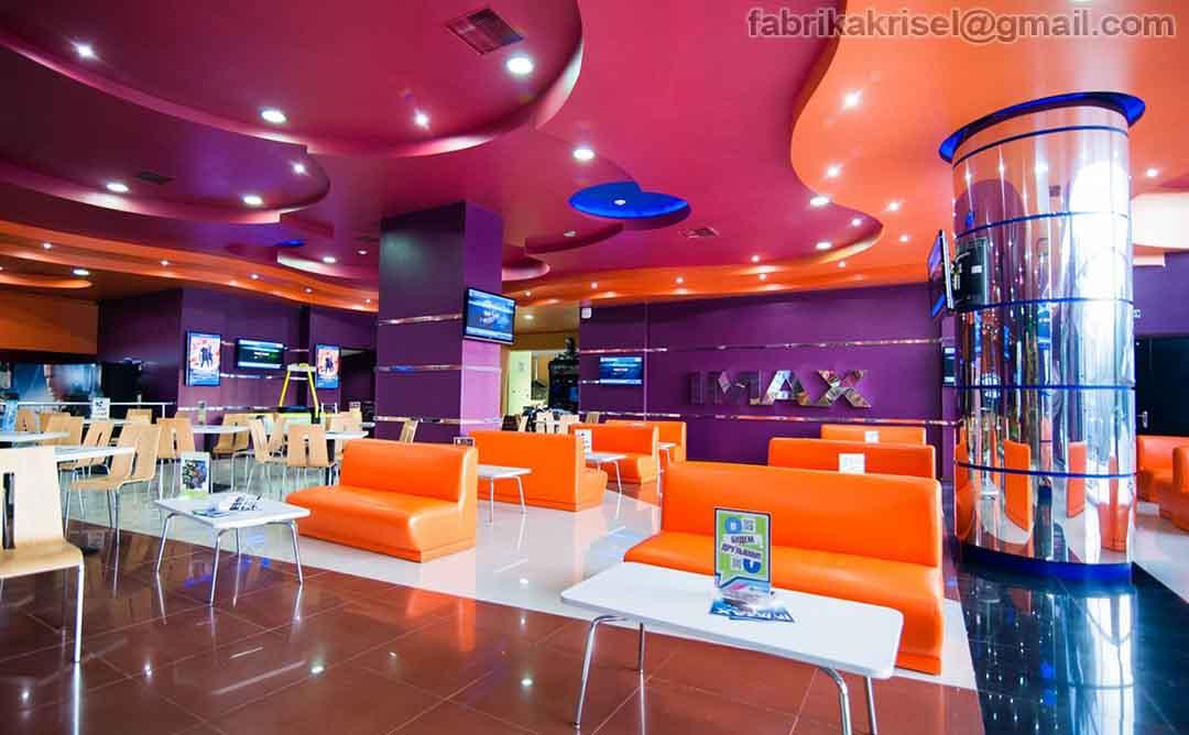 IMAX cinema in Yalta, waiting area(Image)